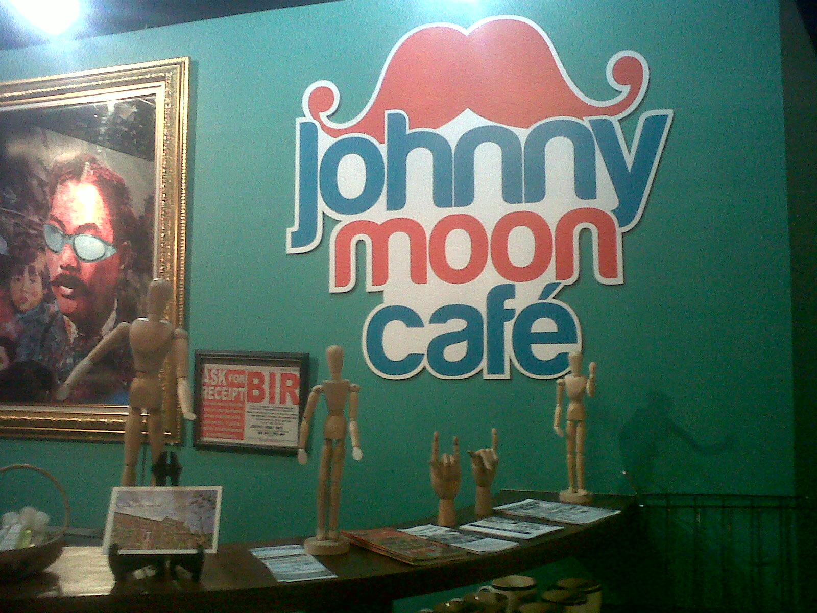 Ilocos Part 2: Johnny Moon Cafe's Bagnet Sandwich
