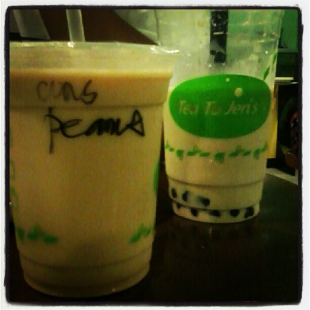 Tea to Jeri's: milk tea + Jerico's bread